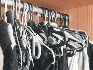 How to Organize your Closet in 5 Easy Steps!